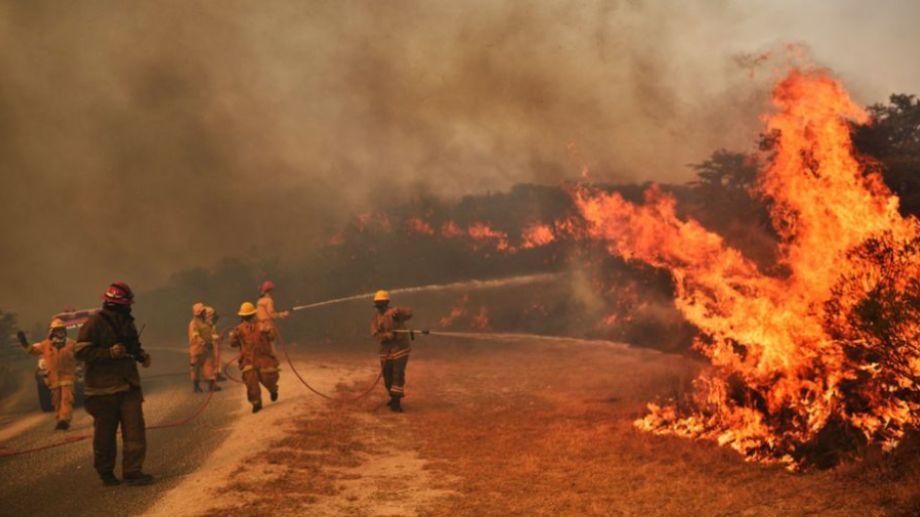 Córdoba: Los incendios se mantienen activos en el noroeste y sur la provincia