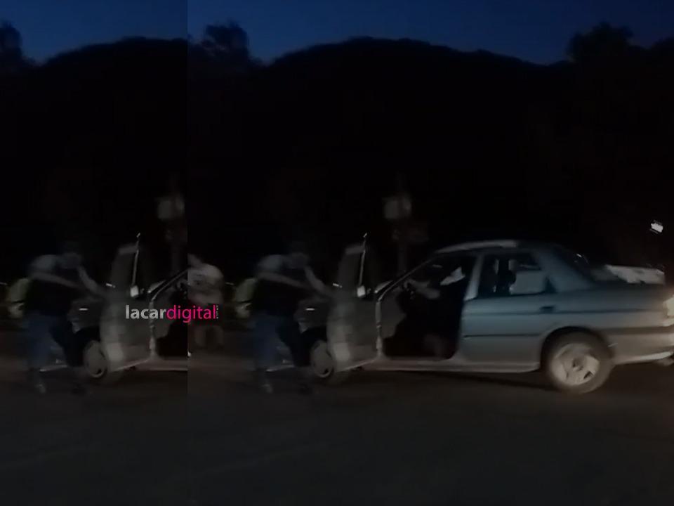Chocó, se bajó a colaborar con el procedimiento y el acompañante se escapó con el auto
