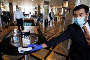 La caída de la Hotelería y Gastronomía es 8 veces peor que la del resto de la Economía