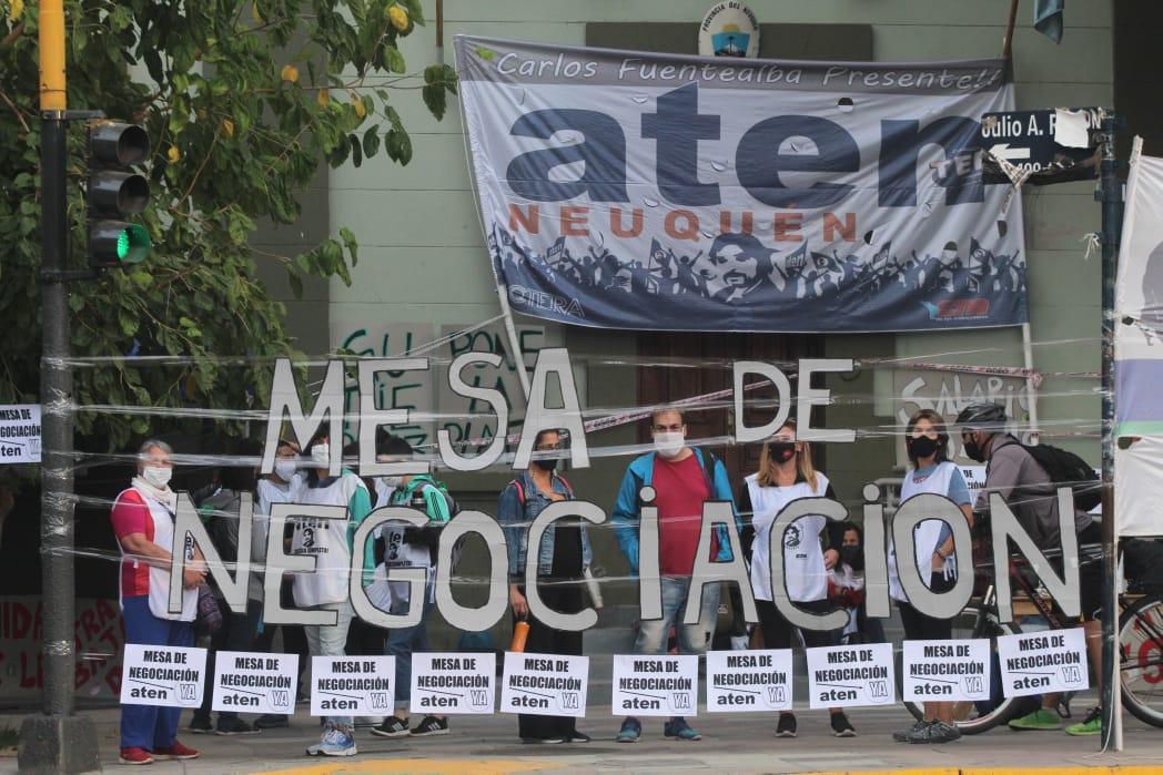 La cláusula desconocida que podría dilatar un acuerdo con el gremio docente en Neuquén